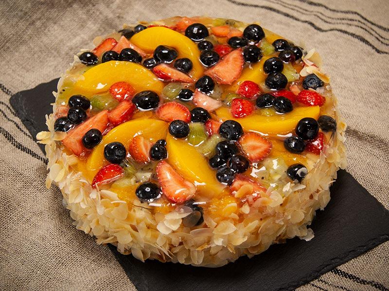 Obstsalat-Torte